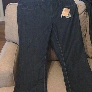 Melissa McCarthy slim boot jeans
